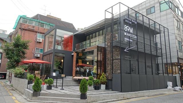 【新沙站】韓國男神歐巴 – 李鍾碩 開的型男咖啡廳/西餐廳『89MANSION(89맨션)』(+隱藏菜單 及 9折優惠)
